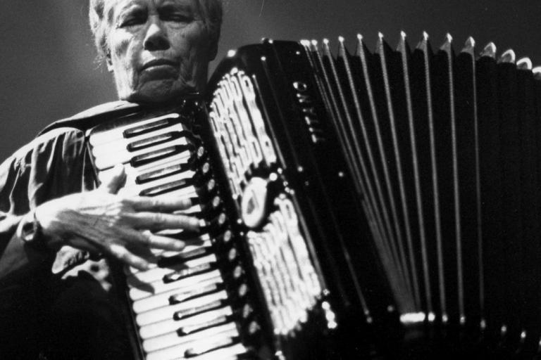 Photograph of Pauline Oliveros by Pietr Kers