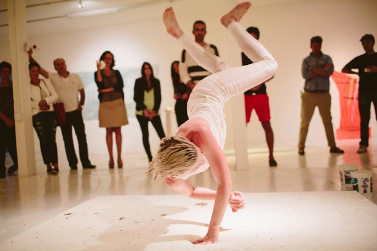 Whitney Vangrin performance Sea Foam at Gallery Diet, Miami, Florida, 2014, photo by Gesi Schilling
